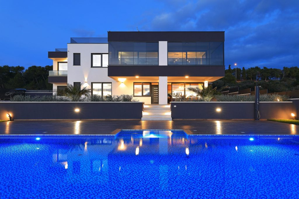 moderna luksuzna vila